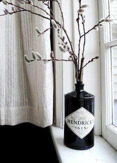 """Toller Hingucker: schwarz Gin-Flasche """"Hendricks"""" als Vase"""