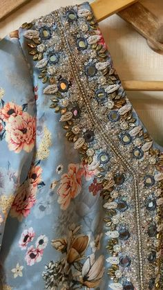 Fancy Sarees Party Wear, Pakistani Dresses Party, Pakistani Fashion Party Wear, Designer Party Wear Dresses, Kurti Designs Party Wear, Indian Designer Outfits, Kurti Embroidery Design, Couture Embroidery, Embroidery Fashion