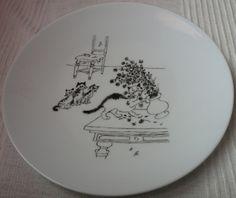 Bon, tout le monde doit savoir que j'aime bien les chats (principalement le monstre à l'appart!!!). Voici mon service à dessert des chats du dessinateur Albert Dubout avec un plat à gateau et 12 assiettes à dessert. Bon régal pour la vue..et .pour les...