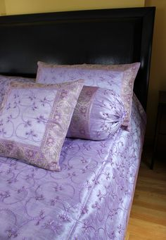 Luxurious light #purple 7-piece #bedding set. Indian hand embroidered design. Fits king size beds. #duvet cover