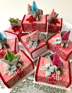 Little Slide Box / Myrtle's Studio Bottle Brush Trees, Secret Santa Gifts, Christmas 2015, Covered Boxes, Favor Boxes, Myrtle, Stocking Stuffers, Bright Colors, Projects To Try