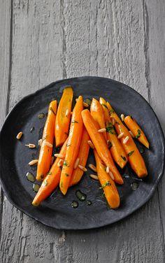 Möhrchen mit Balsamico und Pinienkernen, ein schmackhaftes Rezept aus der Kategorie Gemüse. Bewertungen: 5. Durchschnitt: Ø 3,6.