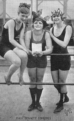 Elinor Field, Vera Reynolds, Lillian Biron