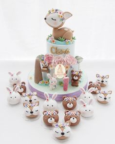 Oh les oursons sont trop mignons ! - Amo esse tema 💕💕💕 By - Inspired by Woodland Cake, Woodland Party, Cupcakes Decorados, Animal Cakes, Love Cake, Cute Cakes, Cake Creations, Baby Birthday, Birthday Cake