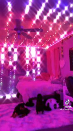 String Lights In The Bedroom, Indoor String Lights, Room Lights, My Room, Dorm Room, Diy Wall Decor, Room Decor, Fairy Room, Otaku Room
