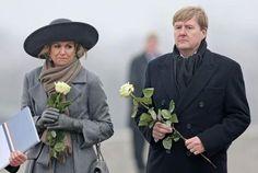 Koningspaar herdenkt slachtoffers Buchenwald Binnenland  Telegraaf.nl