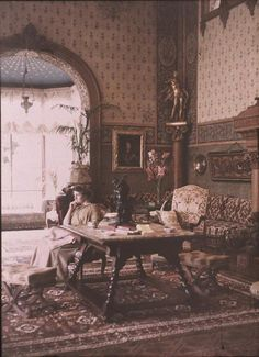Autochrome: Anonymous. Vevey, Claire Villa, inside the Villa. 1910. Musée d'Orsay.