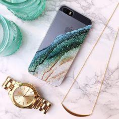 love this phone case!