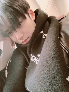 Will Mingyu ever let you live Seventeen Song, Mingyu Seventeen, Woozi, Jeonghan, Seventeen Performance Team, Hip Hop, Kim Min Gyu, Choi Hansol, Adore U