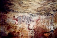 This painting of a marsupial has erect ears, front legs shorter than the ba Ancient Scripts, Ancient Art, Cave Drawings, Aboriginal Artwork, Painting Templates, Aboriginal Culture, Painted Rocks Kids, Rock Painting Ideas Easy, Painting Videos