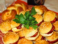 Něco jiného než klasické jednohubky Pretzel Bites, Baked Potato, Sandwiches, Recipies, Pizza, Potatoes, Bread, Food And Drink, Chicken