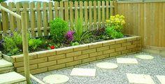 nice 44 Easy And Cheap Backyard Privacy Fence Design Ideas Front Gardens, Small Backyard Gardens, Backyard Garden Design, Small Space Gardening, Rustic Backyard, Modern Backyard, Cheap Garden Fencing, Garden Fences, Garden Railings