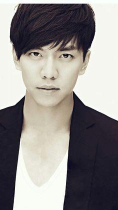 😍💕😘 Asian Actors, Korean Actors, Sexy Guys, Sexy Men, The King 2 Hearts, Brilliant Legacy, Man Lee, Hallyu Star, Lee Seung Gi
