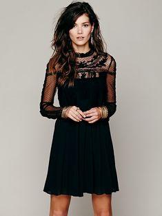Imagen de http://www.eclothstyle.com/wp-content/uploads/2014/03/10/5/1058-Write-About-Love-Dress-1.jpg.