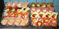 Už nemusíte hľadať nič iné: 17 najlepších domácich nátierok na obložené chlebíky + krásne tipy na servírovanie! Finger Foods, Sushi, Ethnic Recipes, Finger Food, Snacks, Sushi Rolls