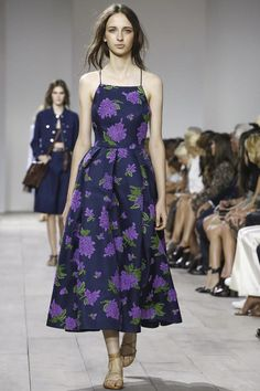 #MichaelKors Ready To Wear Spring Summer 2015 #NYFW This dress stood out to me in particular. I like this mix of colors. The whole collection was beautiful in my opinion. But I will admit I'm biased MK is one of my fave designers :)