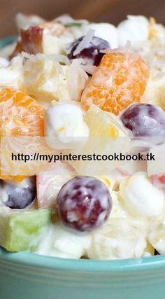 Creamy Fruit Salad recipe using Greek Yogurt–sweet and creamy without the added calories! Recipe on MyPinterestCookBook.tk