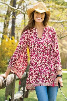 Avignon Tunic  A single tassel sways from the kimono sleeves of this floaty, light-as-air tunic in two exceptional Provencal prints, styled with contrasting borders.