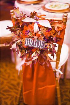 Fall wreath seat sign @weddingchicks