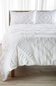 Main Image - Nordstrom at Home Lima Tufted Duvet Cover Textured Duvet Cover, Boho Duvet Cover, Textured Bedding, White Bedspreads, White Bedding, Bedspreads Boho, Neutral Bedding, White Duvet Covers, Cool Duvet Covers
