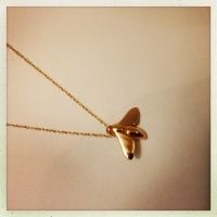 Bee pendant Based on the Australian Stingless Bee (Trigona Carbonaria) gold pendant and solid gold chain Stingless Bees, 9ct Gold Chain, Gold Pendant, Gold Necklace, Gallery, Jewelry, Gold Pendant Necklace, Jewlery, Roof Rack