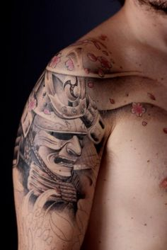 Work in progress - My Samurai tattoo by Erick Murer (Magma Tattoo - Brazil). Oriental, kabuto and mempo, cherry blossom.