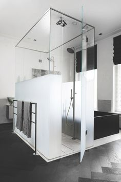 Now that's a shower!! |  Remy Meijers