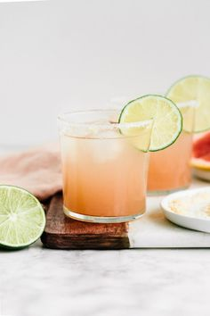 Healthy Cocktails, Sweet Cocktails, Summer Cocktails, Tequila Soda, Paloma Recipe, Grapefruit Soda, Cocktail And Mocktail, Daily Vitamins, Oranges And Lemons