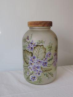 Vidro para mantimentos fosco, com pintura em óleo,tampa em madeira. R$ 35,00