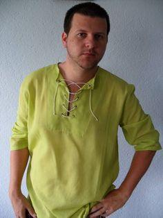 Bata Estaleiro - Gola careca e decote com cordões  Batas com opções de mangas longas ou 3/4  Tamanhos P = nº03 / M = nº04 / G = nº05 / GG = nº06  Tecido leve de 100% algodão  Diversas cores, tais como branca, azul clara, lilás, roxa, cinza, marrom, preta, verde clara, verde folha