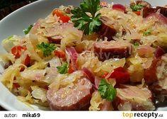 Klobásky v zelí recept - TopRecepty.cz Czech Recipes, Ethnic Recipes, Pasta Salad, Potato Salad, Recipies, Good Food, Veggies, Food And Drink, Chicken