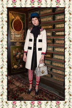 View the full Gucci Pre-Fall 2017 collection.