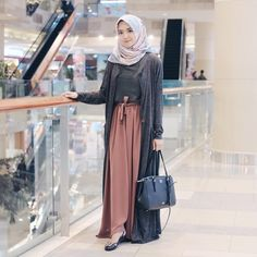 Hijab Fashion Inspiration, Style Inspiration, Fashion Outfits, Womens Fashion, Style Fashion, Hijab Fashionista, Hijab Chic, Hijab Outfit, Muslim Fashion
