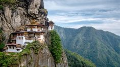 10 Epic destinations to make you feel small