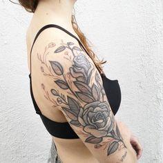 #ilustração #carinacaiê #tattoo #tatuagem #tatuaje #dots #dotwork #pontilhismo #Ink #inktattoo #nomadesdigitais #nômade #vilamadalena #sampa #Brasil