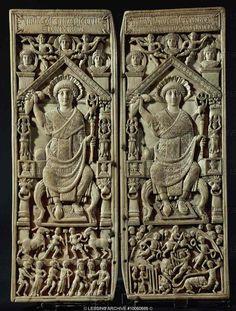 Diptych of Consul Flavius Anastasius (portrait and circus scenes), ivory, 517