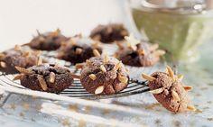 Schoko-Igel-Guetzli - Rezepte - Schweizer Milch Biscuits, Cereal, Breakfast, Food, Butter, Almond, Recipes, Cacao Powder, Crack Crackers