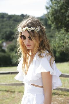 cute hippie style: daisy headband and round glasses Bohemian Mode, Bohemian Style, Hippie Style, Hippie Chic, Hippie Gypsy, Looks Style, Style Me, Style Hair, Estilo Hippy