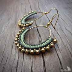 Handcrafted macrame earrings made with polyester threads, brass circle element - 30 mm, brass beads and earhooks. Diy Macrame Earrings, Macrame Jewelry Tutorial, Beaded Earrings, Hoop Earrings, Macrame Bag, Macrame Knots, Seed Bead Jewelry, Beaded Jewelry, Chevron Friendship Bracelets