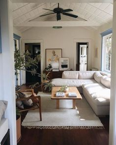 Home Living Room, Living Room Decor, Living Spaces, Decor Room, My New Room, House Rooms, Home Decor Inspiration, Decor Ideas, Home Interior Design