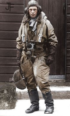 Military Men, Military History, Military Uniforms, Pilot Uniform, Classic Photography, War Comics, Steampunk, Vintage Airplanes, Modern History
