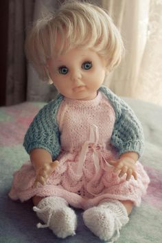 The first in my collection. Knitting Stitches, Knitting Patterns, No One Loves Me, Vintage Dolls, Clothing Patterns, Larger, Doll Clothes, First Love, Bears