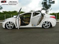 elantra-branco-rebaixado-suspensao-a-ar-e-rodas-aro-20-9-lateral