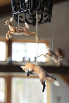 Needle felted forest animal mobile by Ainigmati - Diy Crafts Trends Felt Crafts, Kids Crafts, Diy And Crafts, Craft Projects, Arts And Crafts, Craft Ideas, Needle Felted Animals, Felt Animals, Baby Animals