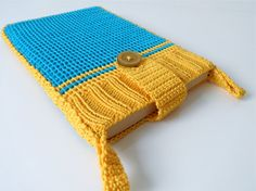 Blue and yellow Kindle sleeve - crochet and knit Sleevy for your e-reader