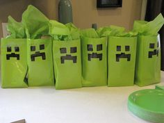 Love this idea! 10th Birthday Parties, Birthday Fun, Birthday Party Themes, Birthday Ideas, Minecraft Party, Legos, Video Game Party, Party Favor Bags, Goodie Bags