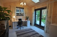 HLILIT105H_after-home-office-converted-garage_4x3.jpg.rend.hgtvcom.1280.853