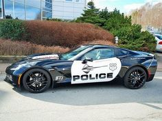A 2014 Corvette Stingray Police Car - What would you do if you had that thing coming after you? I'd pull over bc I drive a 14 silverado and it only goes 105 Cool Sports Cars, Cool Cars, Datsun 280z, 2014 Corvette Stingray, 2015 Corvette, C7 Stingray, Automobile, American Graffiti, Sweet Cars