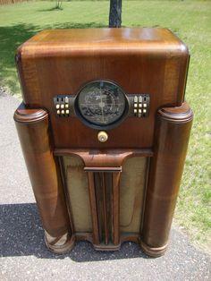 Zenith Floor Console Radio, 1938 – Parts or Restore