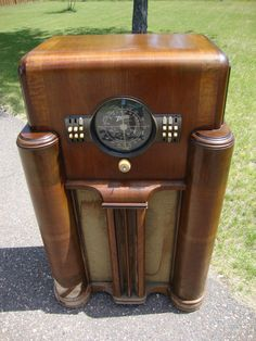 Art Deco Radios From Ebay On Pinterest Radios Antique